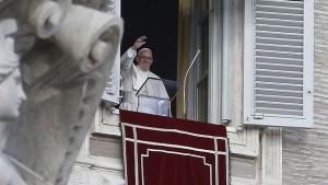 """Francisco: """"Aprendamos a tener el corazón en Jesús en nuestra vida cotidiana"""""""