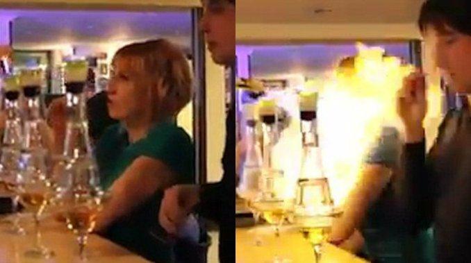 Video: un barman quiso lucirse con el trago pero prendió fuego a una mujer