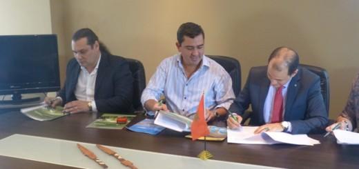 Firman un convenio de intercambio cultural, académico, turístico y comercial entre Misiones y Marruecos
