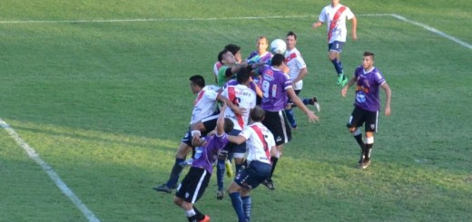 Guaraní perdió 1 a 0 sobre la hora en Chaco ante For Ever y ya no es puntero de su zona