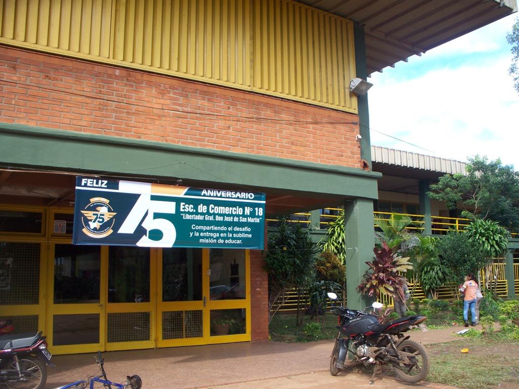 Con Granaderos y galería de los recuerdos la Escuela de Comercio 18 (ex 1) festejará 75 años de creación