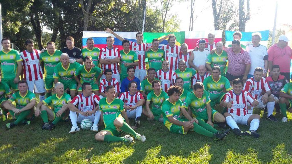Fútbol: Gran triunfo en Brasil del equipo de veteranos de Centro de Cazadores