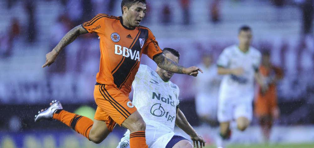 En el minuto final River no supo sostener el partido y Sarmiento le empató 2 a 2