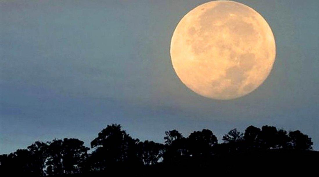 Hoy la Luna llena trae un gran cambio para muchos