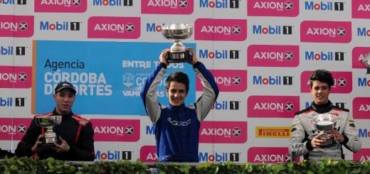 Rudito hizo historia: ganó el sábado y volvió a ganar el domingo en la Fórmula Renault