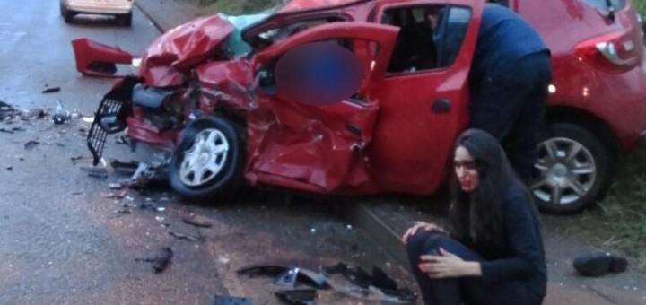 El auto que conducía el joven ebrio se cruzó de carril y desencadenó la tragedia