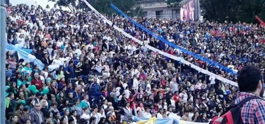 Multitudinaria fiesta de #CorpusChristi2016 en Posadas