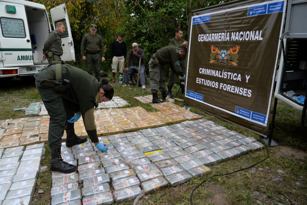 Gendarmería incautó 365 kilos de cocaína ocultos en camión