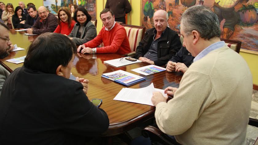 Passalacqua presidió firma de convenios para terminalidad primaria y capacitación en oficios