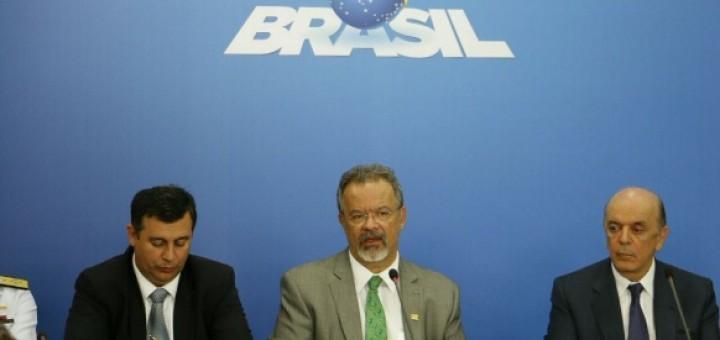 Por el contrabando Brasil reforzará y militarizará sus fronteras con 15 mil hombres y hasta un satélite