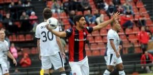 Colón-San Lorenzo: el Ciclón le ganó a Colón 2-0 en Santa Fe y sigue cabeza a cabeza con Godoy Cruz