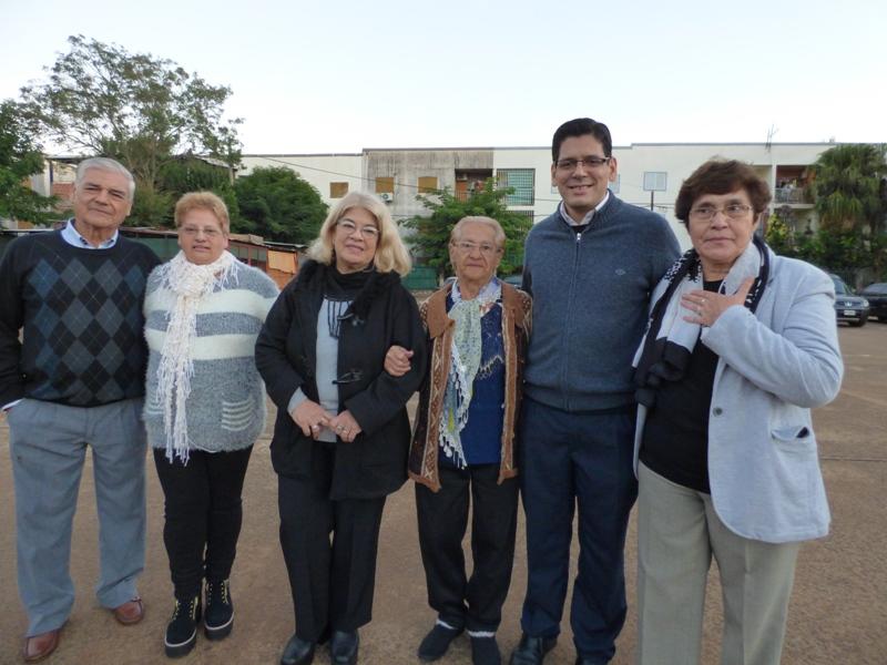 Con emoción y orgullo, vecinos de Villa Cabello celebraron los 43 años de fundación