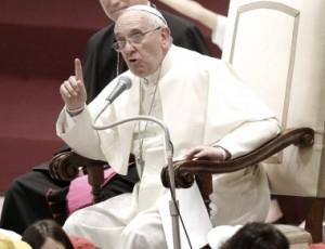 """El papa Francisco criticó a quienes """"exageran el interés hacia los animales"""""""