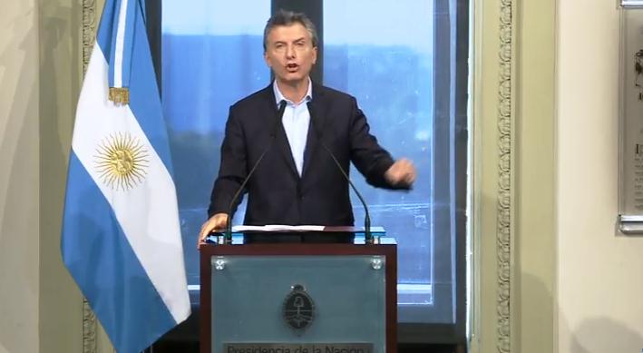 Macri encabezó una nueva reunión de gabinete y recibió a rectores de universidades
