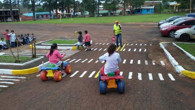 Clases de formación vial en San Pedro