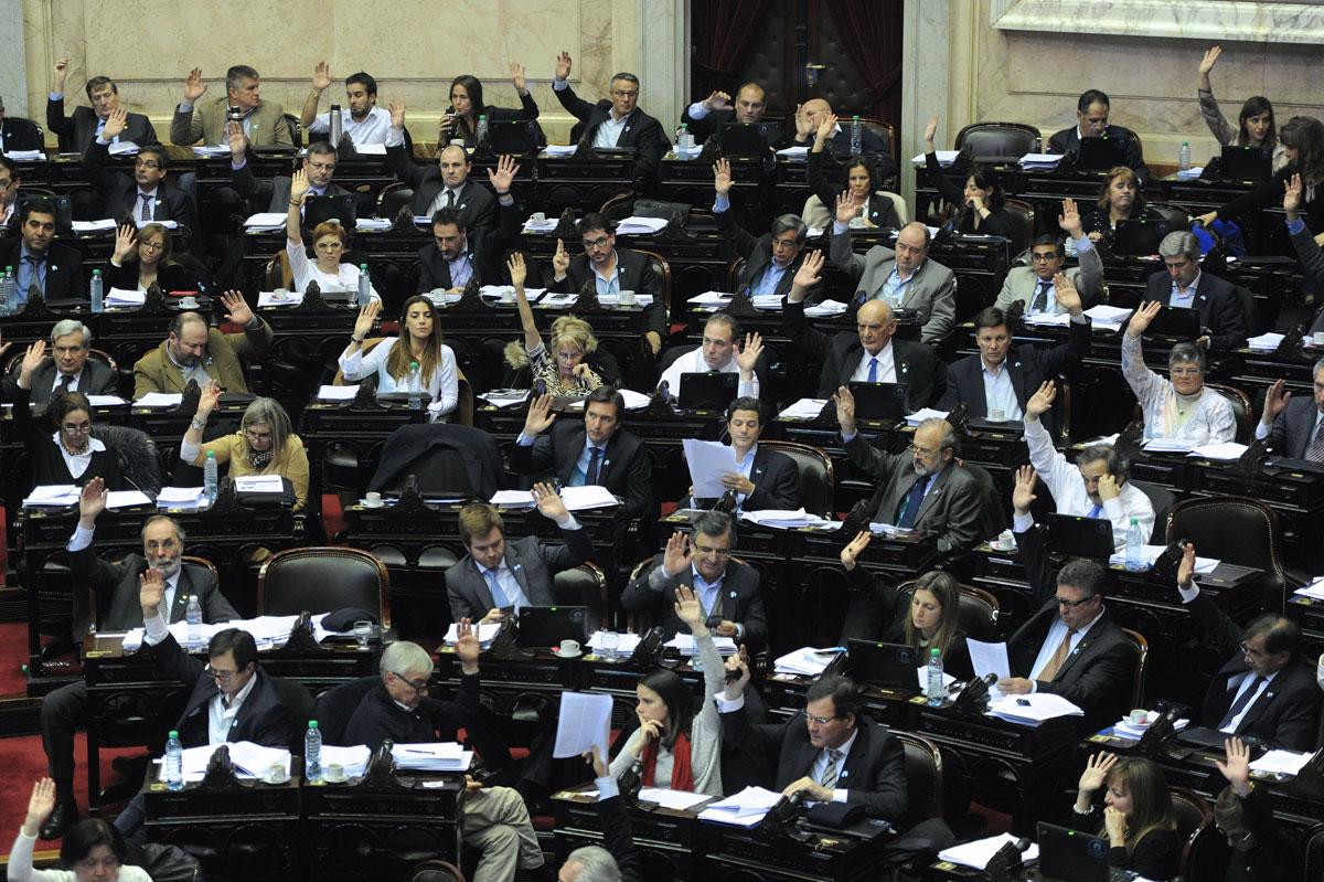 La Renovación votó a favor de la ley antidespidos, mientras que Pastori y Ziegler se abstuvieron