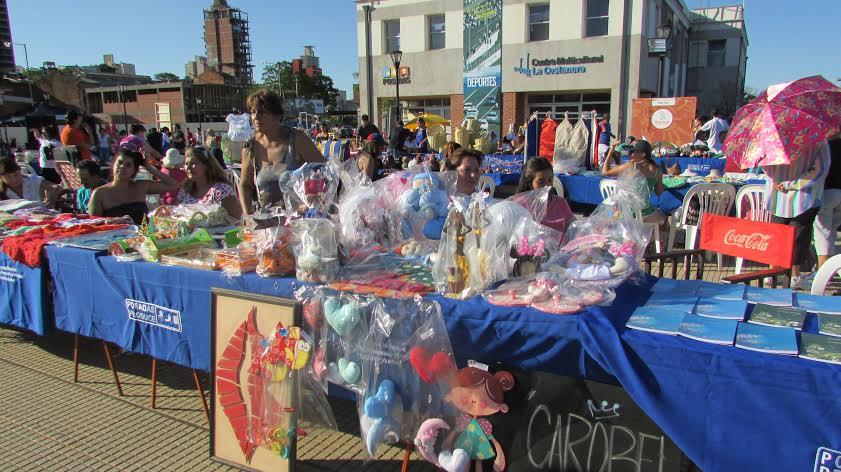 Este domingo se realizará una feria de artesanos en el cuarto tramo de la Costanera de Posadas