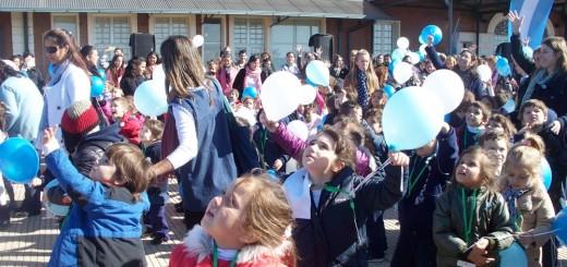 El emotivo video de los jardines de infantes celebrando el Día de la Escarapela en la costanera de Posadas