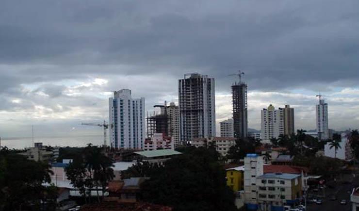 Nublado y fresco con probables lluvias para la región