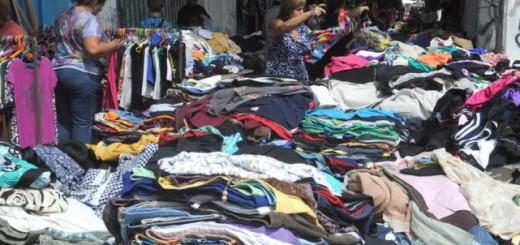 Por la crisis se amplió el mercado de la venta de ropa usada que este año creció un 30%