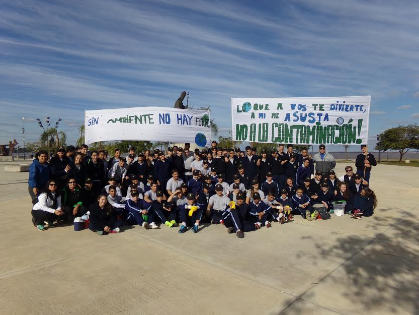 """""""No a la contaminación"""" dijeron una vez más los cadetes del Liceo Storni"""