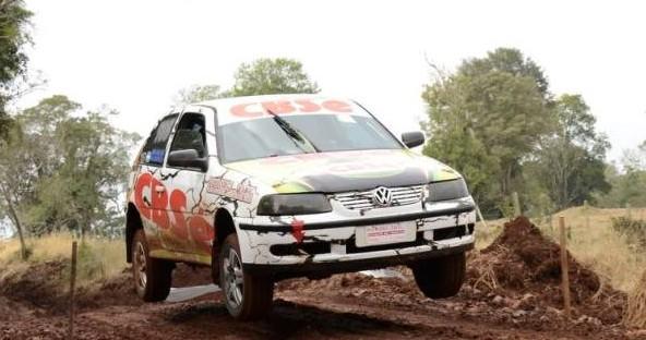Isanbiazaga voló en la primera etapa y domina el Rally de la Selva