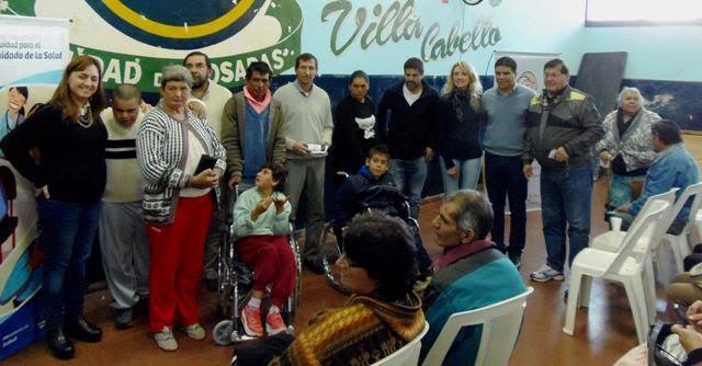 Vecinos de Villa Cabello recibieron sillas de ruedas, anteojos y nebulizadores a través del Incluir Salud