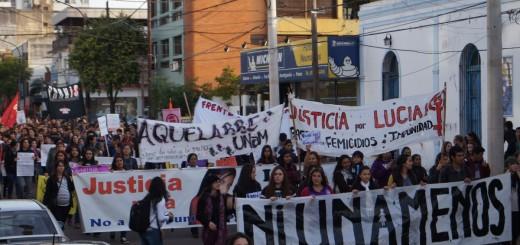 En Posadas se realizó la marcha #NiUnaMenos contra la violencia de género