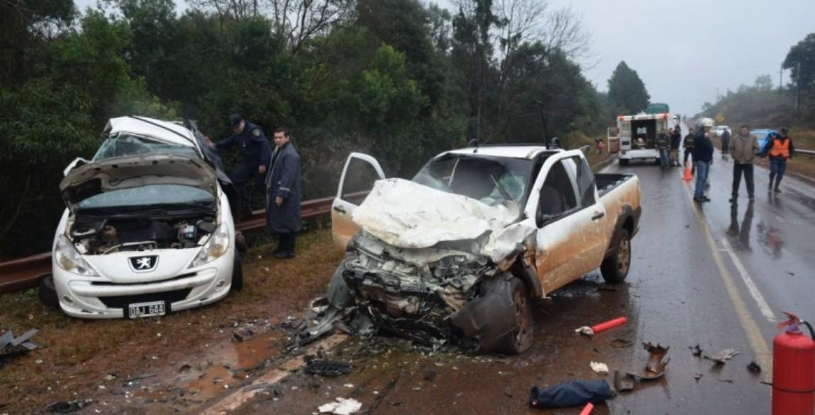 Madre e hijo murieron en un choque frontal en Hipólito Yrigoyen