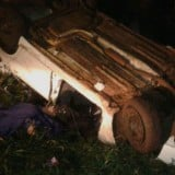 Conductor alcoholizado volcó en la costanera y quedo detenido