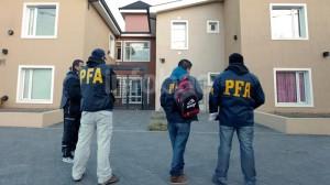 Allanaron propiedades de la familia Kirchner y Cristina denunció persecución política