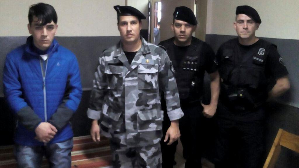 Chileno fue entregado a Interpol para cumplir condena en su país