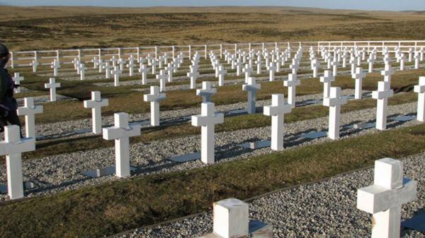 Malvinas: comienza un proceso para identificar a más de la mitad de los combatientes enterrados