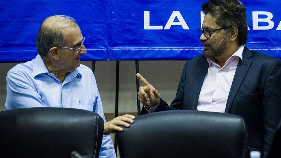 ¿Qué es y qué contempla el punto de fin del conflicto acordado entre Gobierno y Farc?