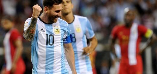 Messi despertó a la Argentina y metió tres goles para pasar a cuartos de la Copa América