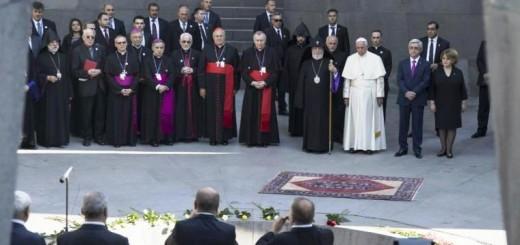 Francisco visitó el memorial de recuerdo a las víctimas del genocidio armenio