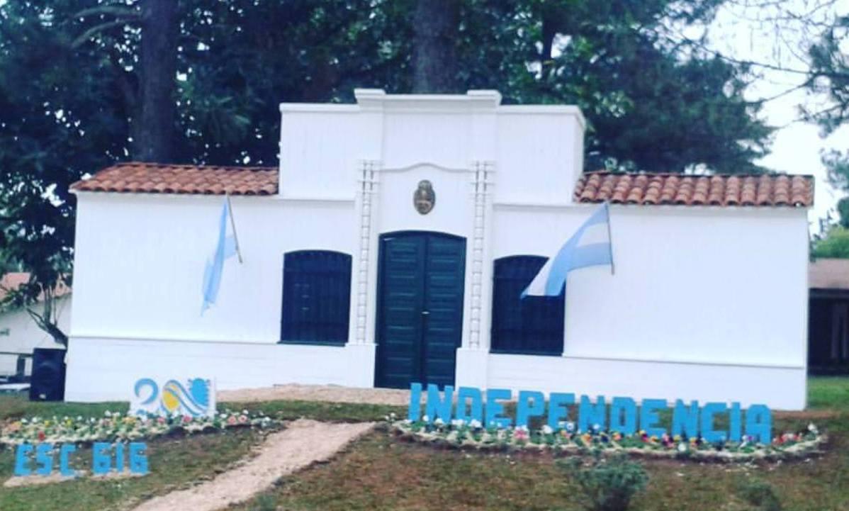 En 25 de Mayo hicieron una réplica de la Casa de Tucumán