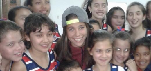 Emotivo regreso de la Leona misionera al club que la vio nacer en Posadas luego de ganar el Champions Trophy