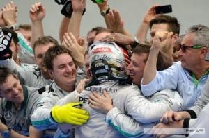 Hamilton le quitó a Rosberg el liderazgo de la Fórmula 1 en el Gran Premio de Hungría