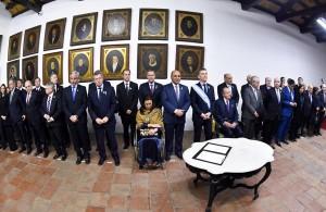 """Qué dice el """"Acta de Compromiso para el Tercer Siglo de los Argentinos"""" que firmaron Macri y los gobernadores"""