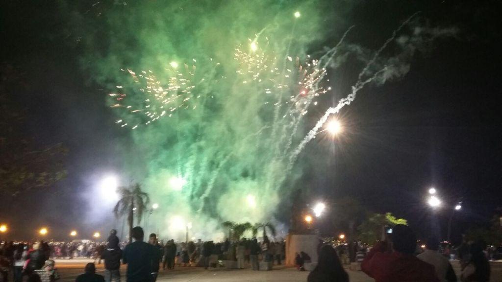 Un show de fuegos artificiales celebró el Bicentenario de la Independencia