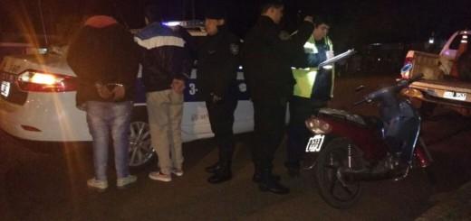 Tras una persecución detienen a un motociclista sin papeles que escapó de un control