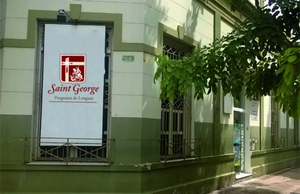 Inscriben en los cursos cuatrimestrales de Inglés y Portugués para jóvenes y adultos en el Saint George