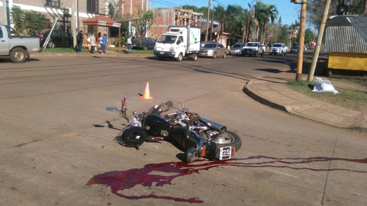 Motociclista falleció tras ser embestido por un camión que luego se dio a la fuga