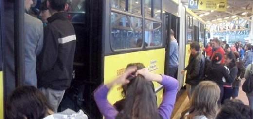 Empresarios del transporte lograron juntar el dinero y pagarán el aguinaldo a los empleados