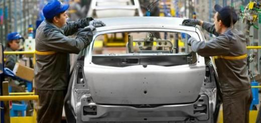 La producción de autopartes cae 10% y refleja dificultades de la industria automotriz
