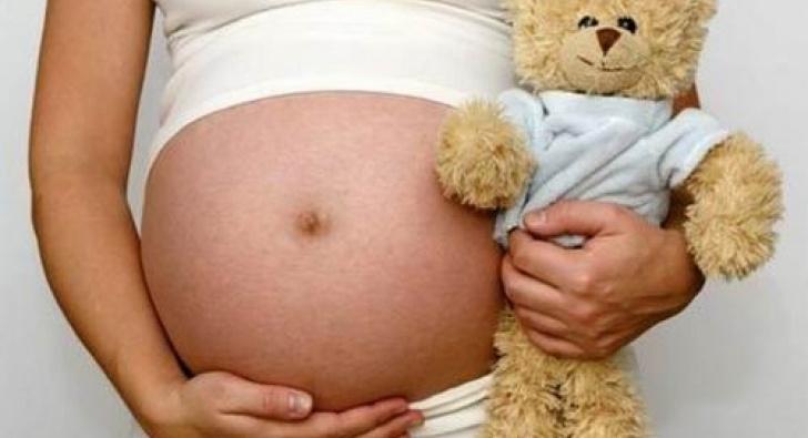 Corrientes: adolescente dio a luz un bebé engendrado tras haber sido violada por su padre