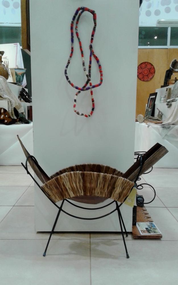 Exponen artesanía regional en la Costanera de Posadas
