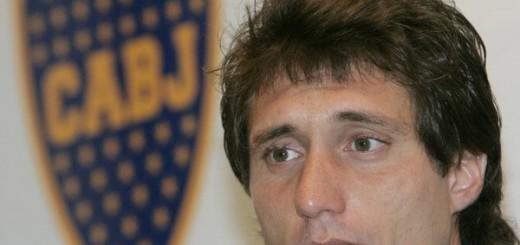 """Guillermo confirmó que """"Tevez se queda en Boca"""""""