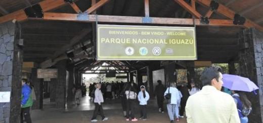 Apresan a cuatro brasileños en el área Cataratas cuando intentaban clonar tarjetas en los cajeros
